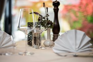 Gedeckter Tisch in der Hotel Andreas Hofer Lounge